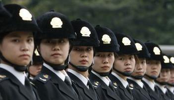 湖北荆州又现城管野蛮执法